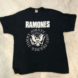 The Ramones graphic T-shirt Size XL